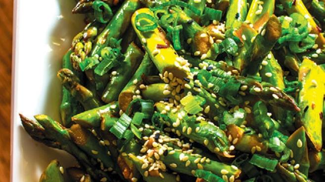 easy asian asparagus with sesame soy glaze